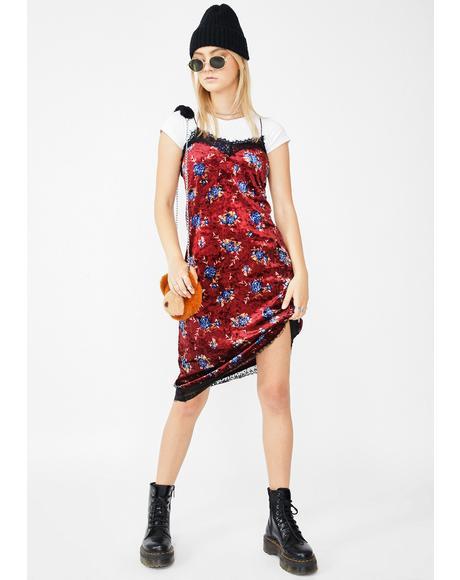 Moody Romance Velvet Dress