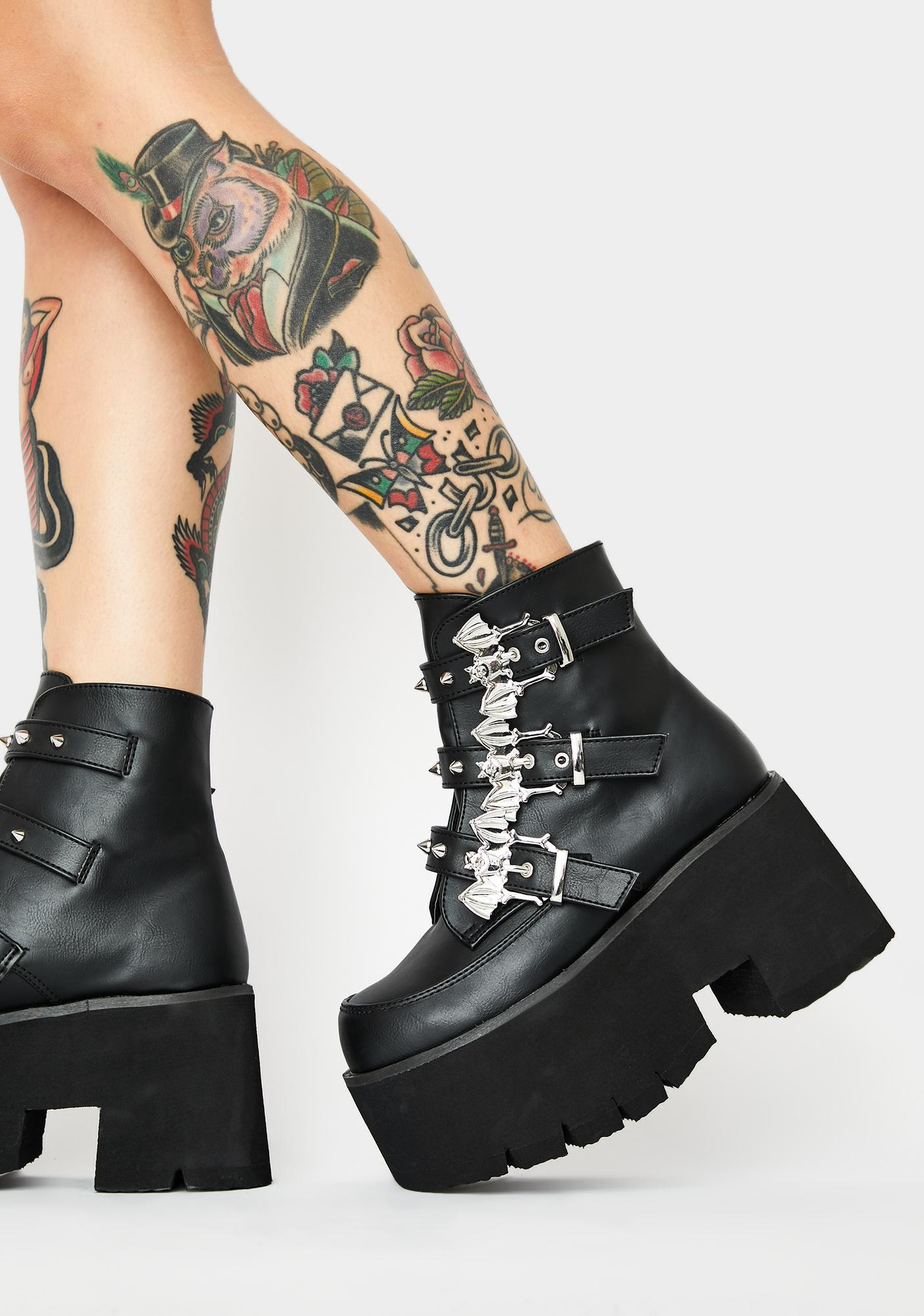 Demonia Midnight Mayhem Ankle Boots