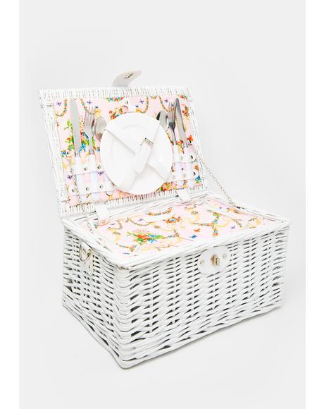 Angel Sugar N' Spice Picnic Basket