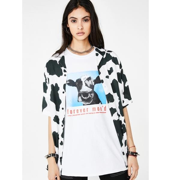 Petals and Peacocks Moo'd Up Graphic Tee
