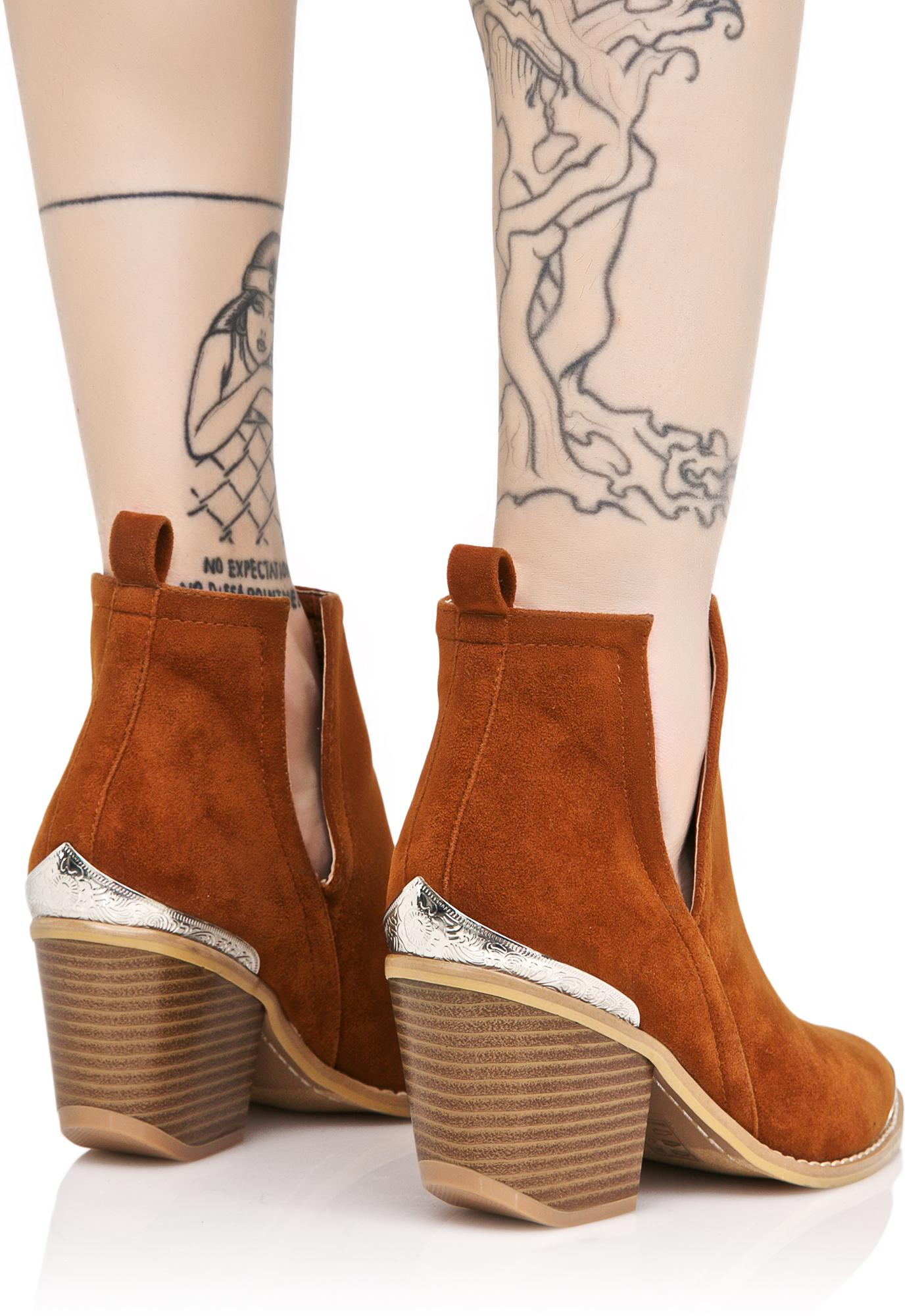 Sidewinder Cut Out Boots