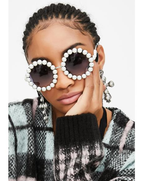Dainty Disposition Circle Sunglasses