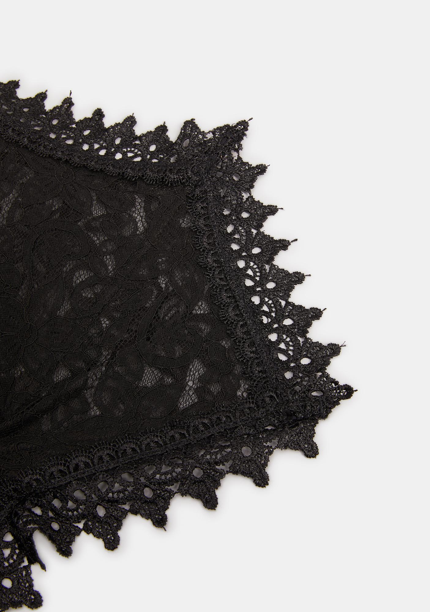 Widow Kiss Of Death Lace Collar