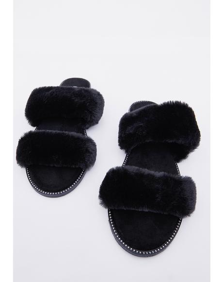 Night Hug Dealer Faux Fur Slides