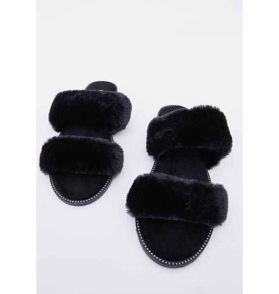 Night Hug Dealer Faux Fur Slides