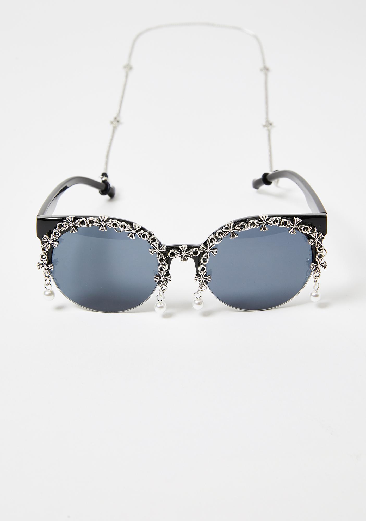 In Glam We Trust Pearl Sunglasses