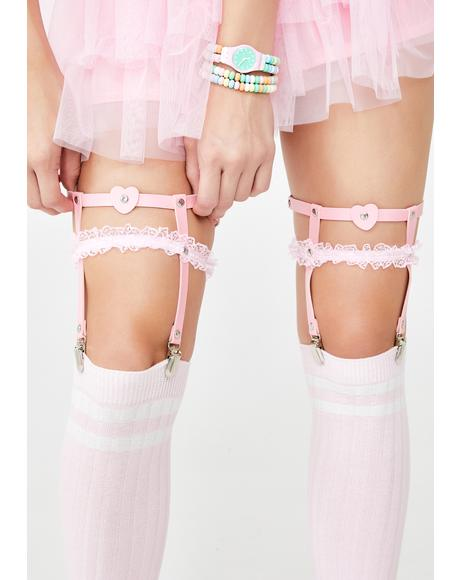 Heart On For U Garter Set