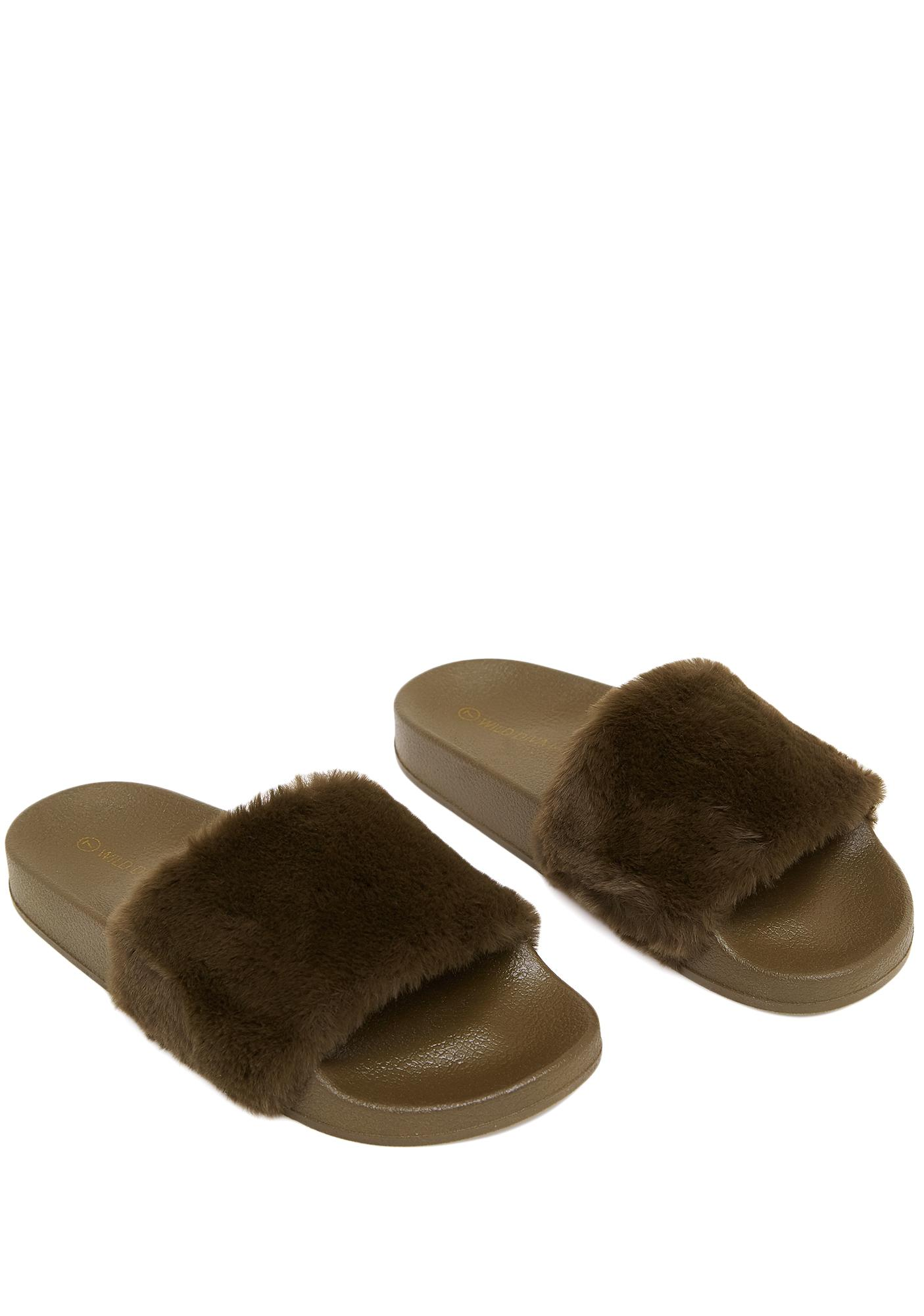 Olive Feelin' Fuzzy Slides
