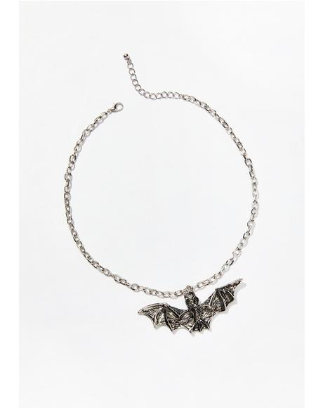 Fly By Night Pendant Choker