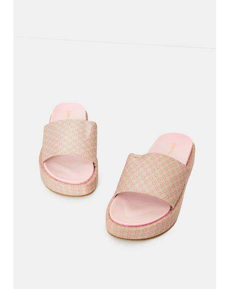Blush Hills Have Eyes Patterned Slides