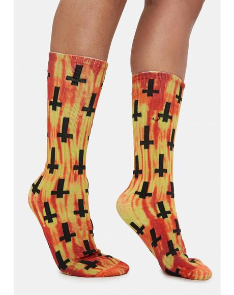 Lava Crosses Print Crew Socks