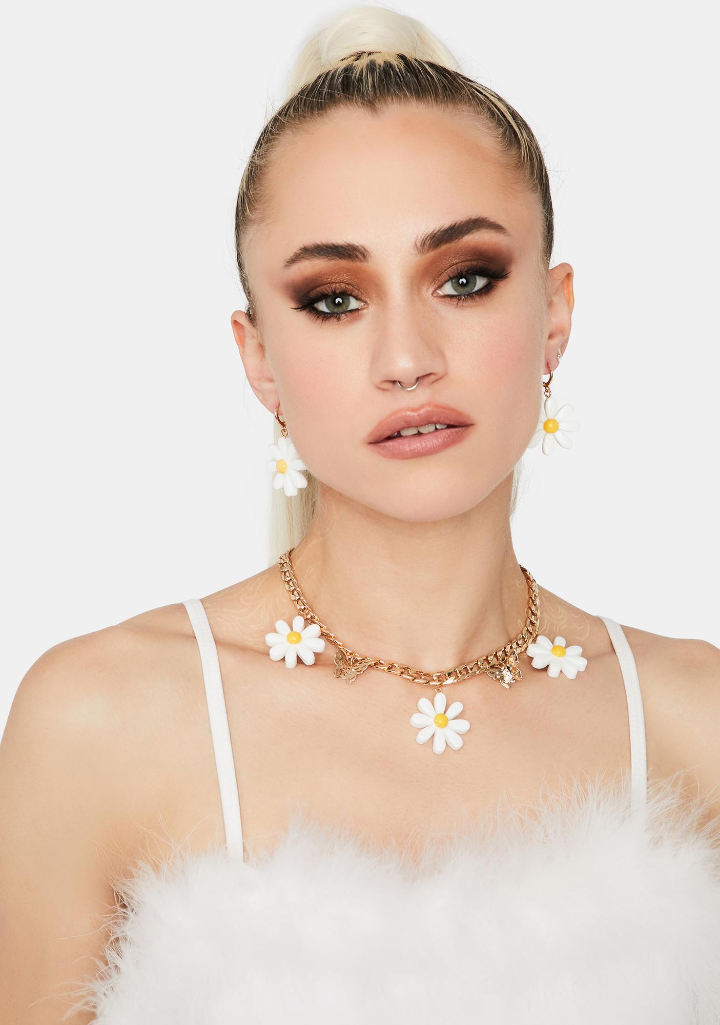 Icy Daring Daisy Earrings Set
