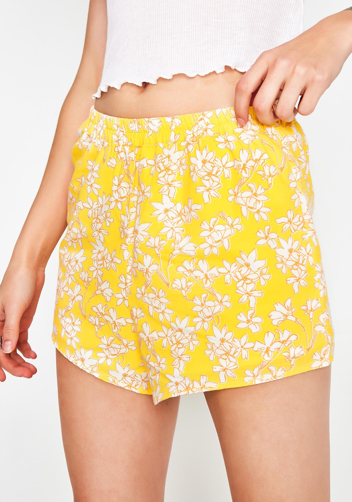She'z Sprung Floral Shorts