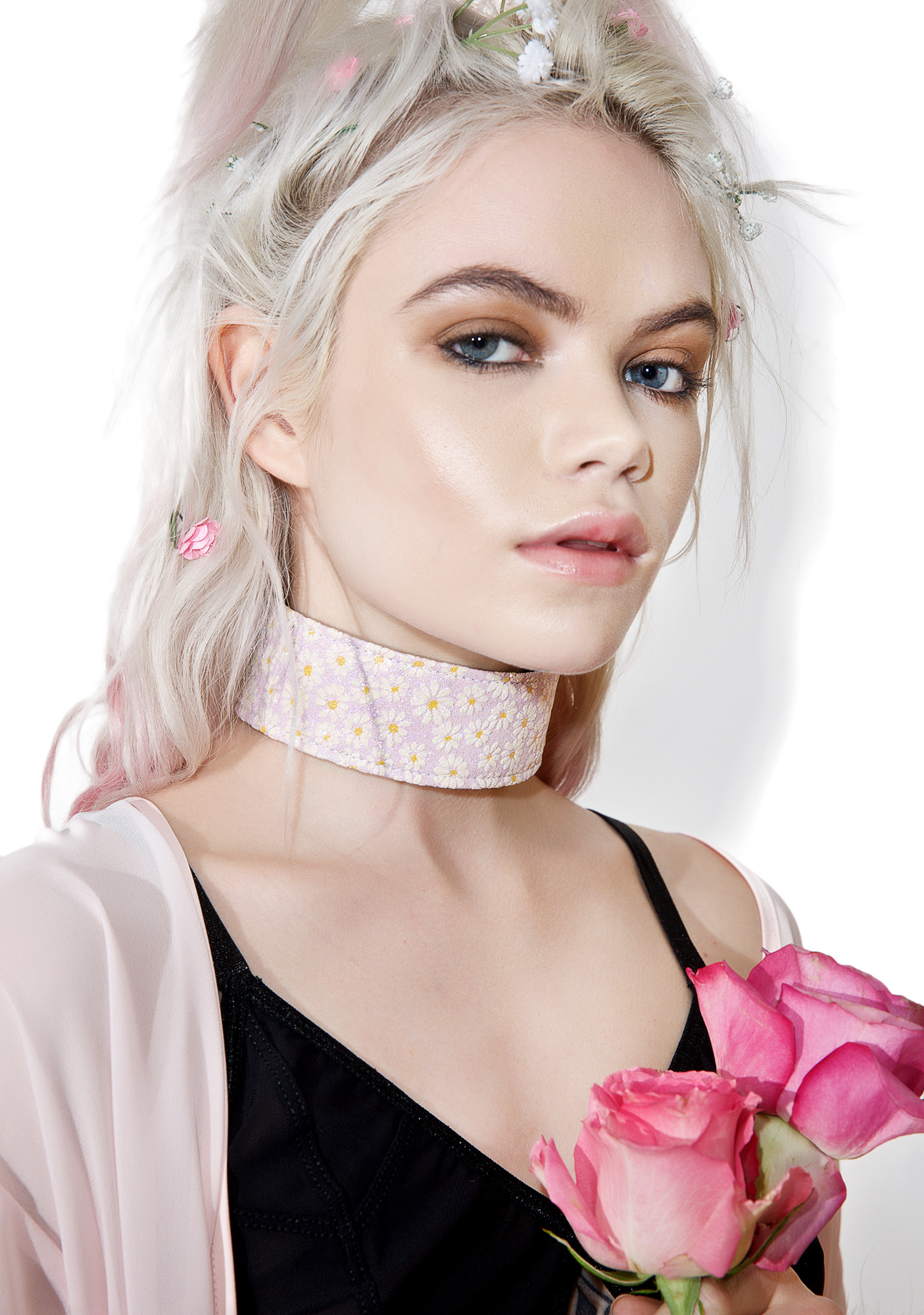 Harmonious Lace-Up Choker