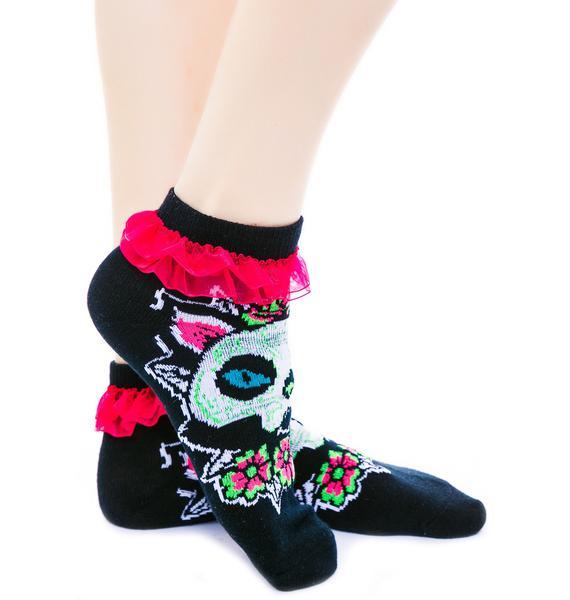 Too Fast Muerta Cat Ruffle Ankle Socks