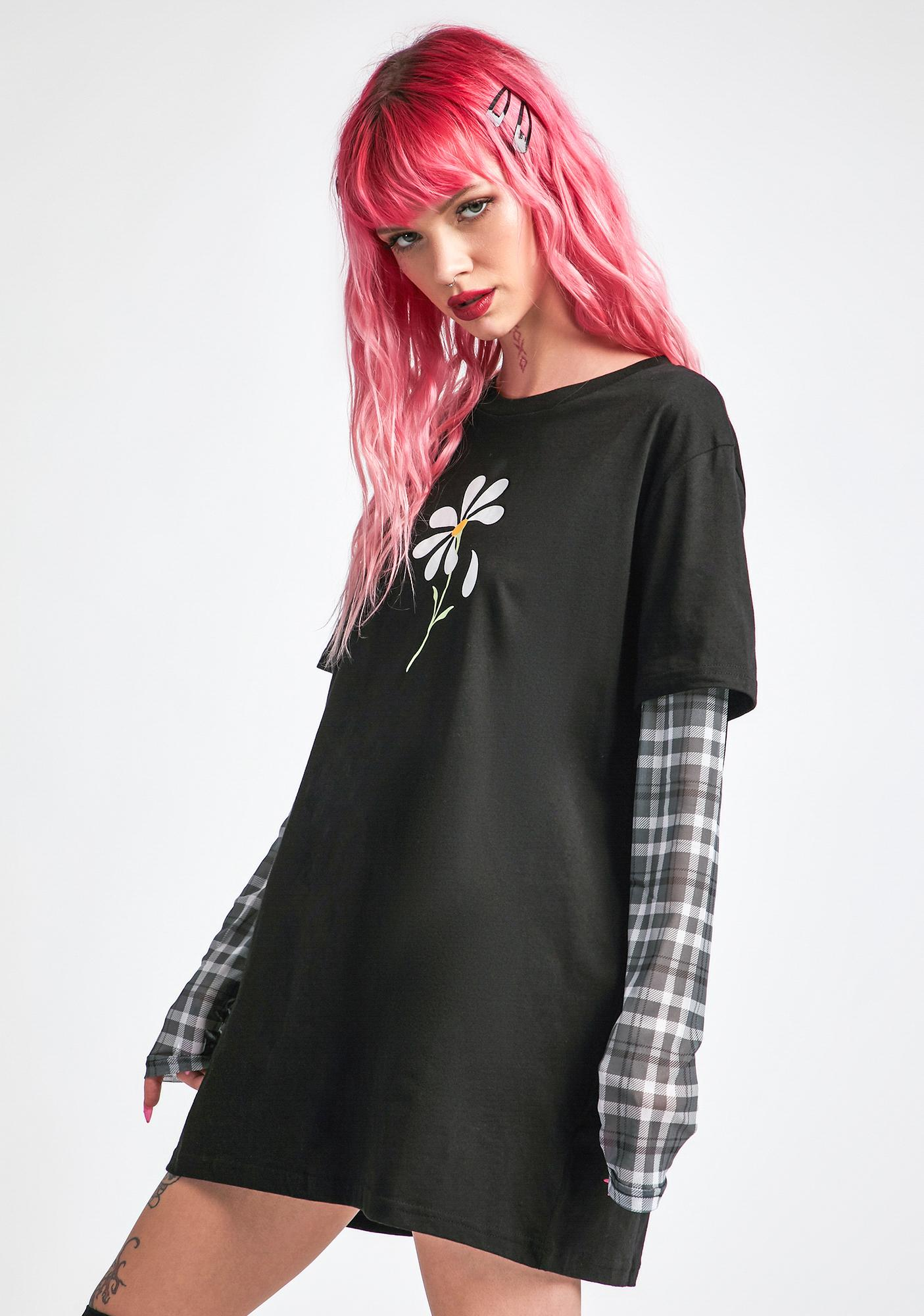 dELiA*s by Dolls Kill New Best Friend Long Sleeve Graphic Tee