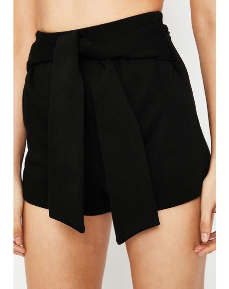 Day Date Tie Waist Shorts