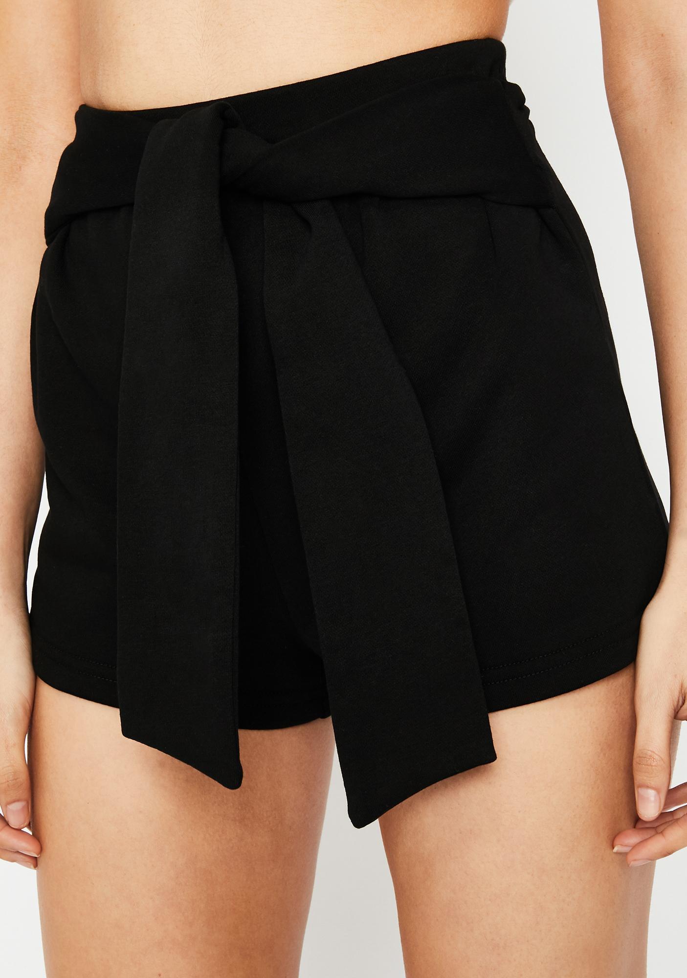 Day Date Tie Waist Shorts