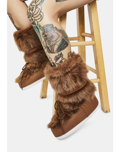 Chocolate Baddie Burr Fuzzy Boots
