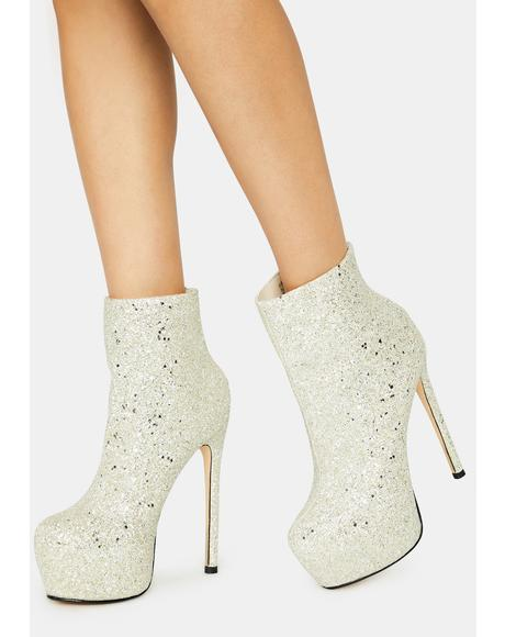 Icy Ivria Booties