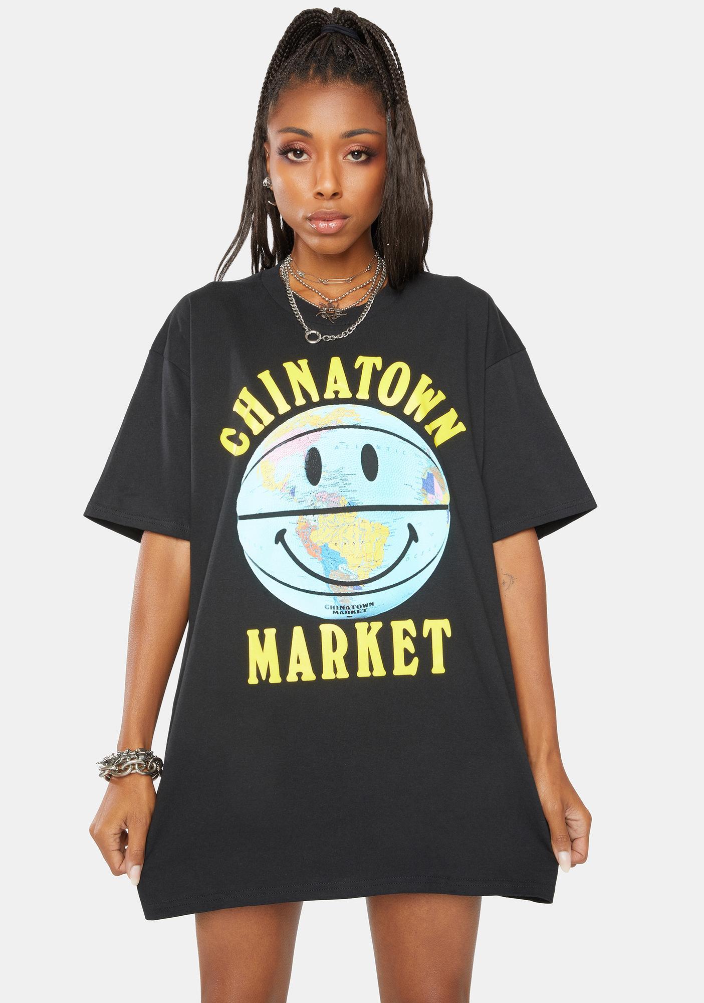 CHINATOWN MARKET Smiley Globe Ball Graphic Tee
