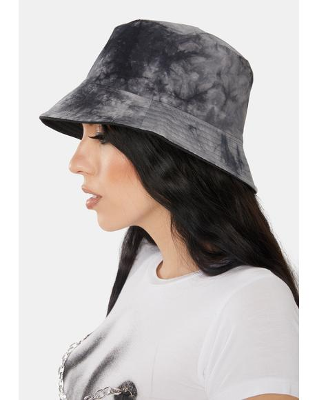 Come In Clutch Tie Dye Bucket Hat