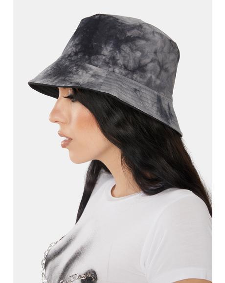 Come In Clutch Tie Dye Bucket Hat