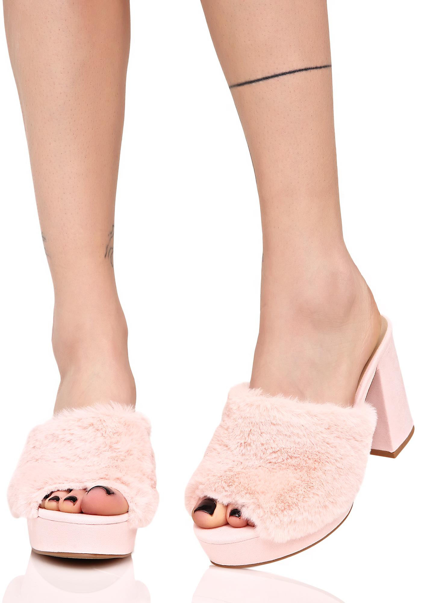Davenport Fuzzy Heeled Slides