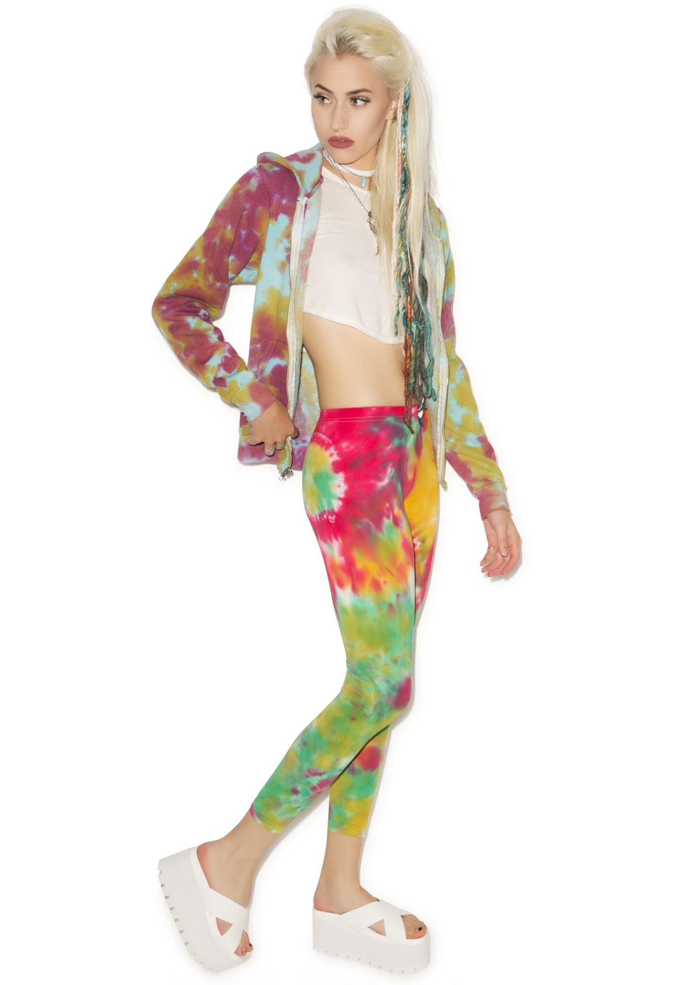 Young, Wild And Serene Day Trip Leggings