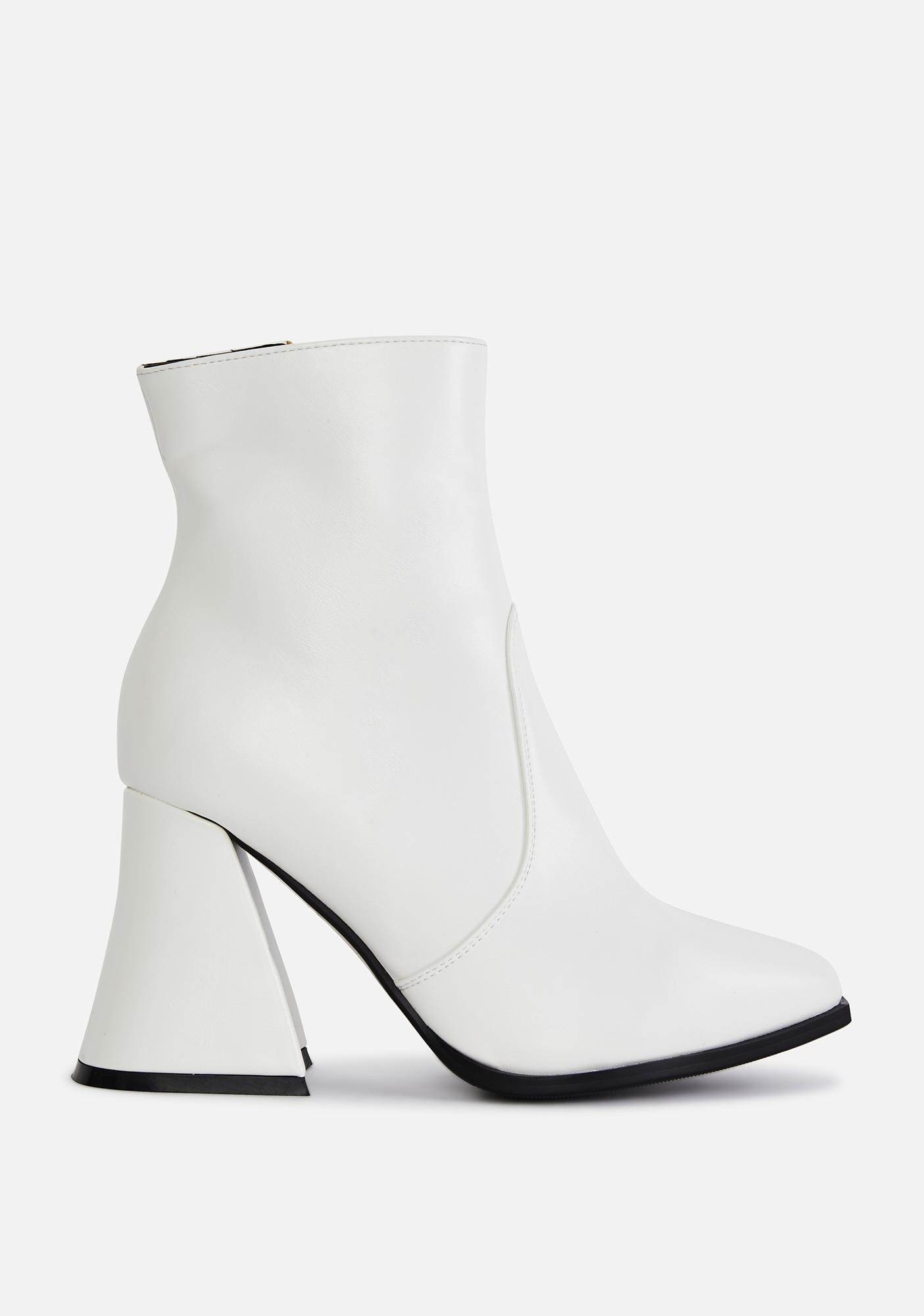Lamoda Boo Call My Assistant Ankle Boots